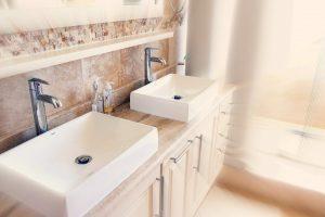Entretenez régulièrement vos canalisations pour éviter les bouchons.
